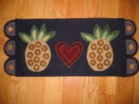 Love Pineapples Table Mat